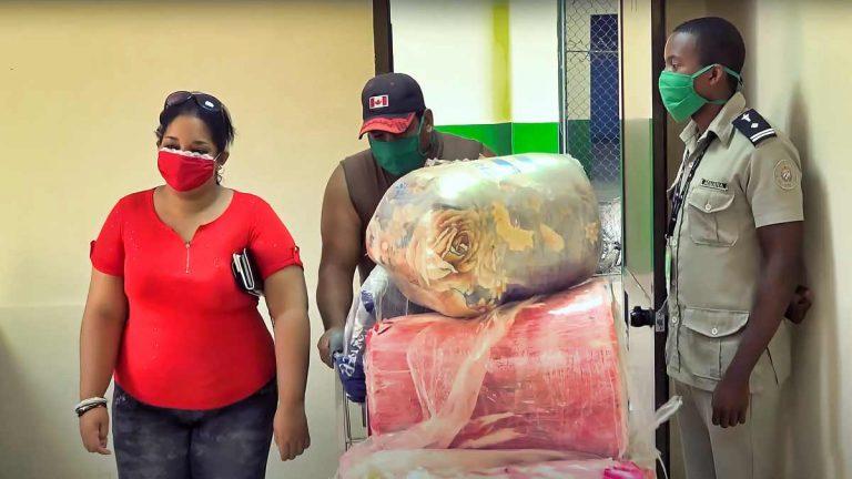 Medicinas y comida constituyen más de la mitad del equipaje de los viajeros a Cuba