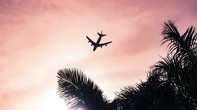 Cuba: pasajes de avión se venderán solo en MLC a partir el 12 de julio