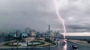intensa tormenta eléctrica habana cuba